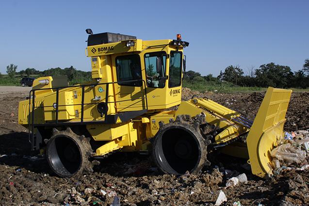 Kompaktor tuhého komunálního odpadu BOMAG BC 772 RB-4